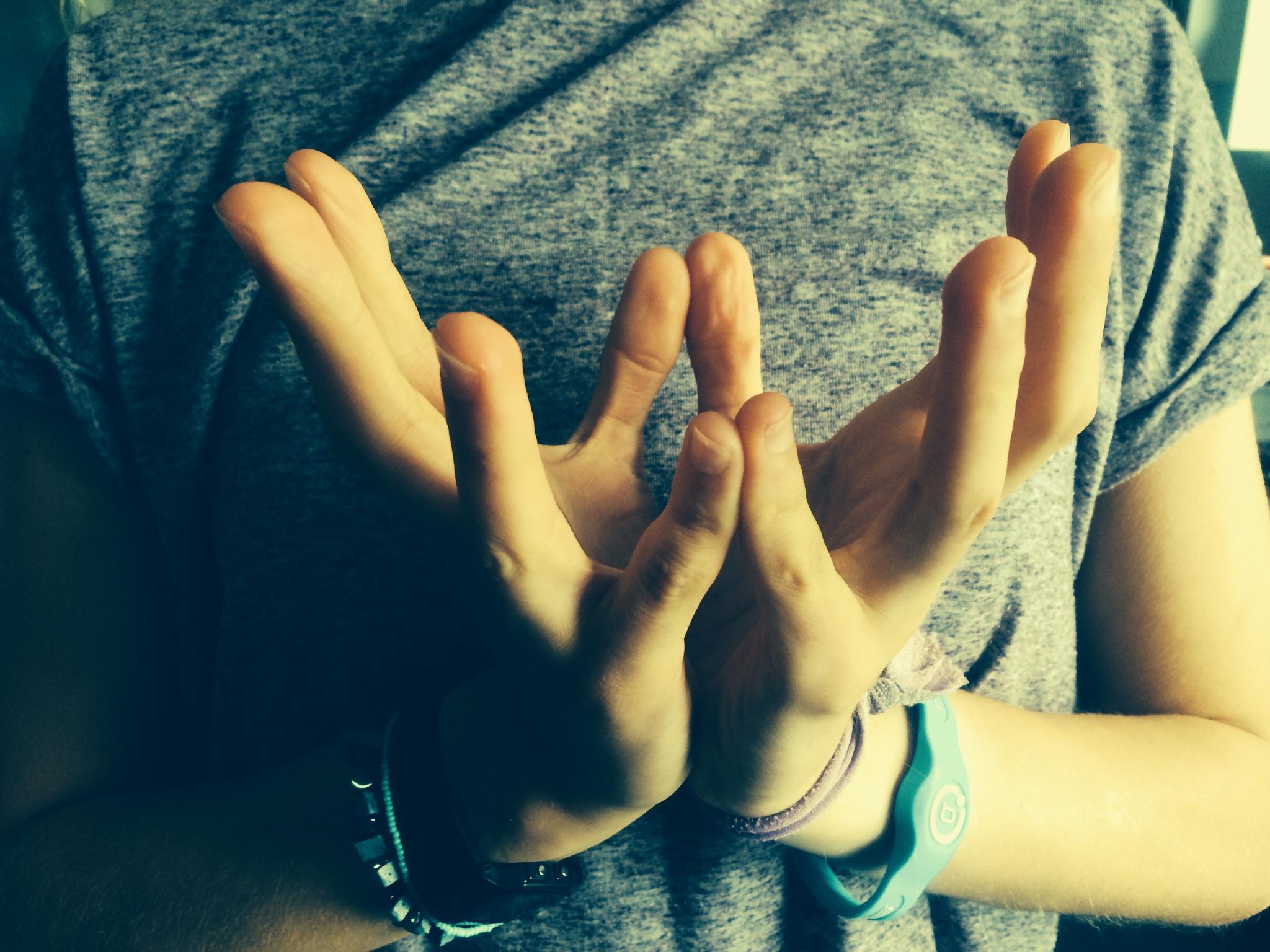10 Mudras For Healing, Health & Happiness – Emma Newlyn