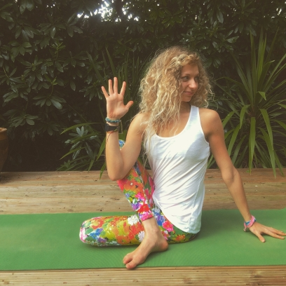 Practice ardha matsyendrasana half lord of the fishes for Half lord of the fishes