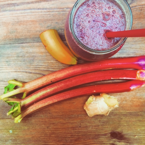 Rhubarb & watercress Seasonal Smoothie Photo