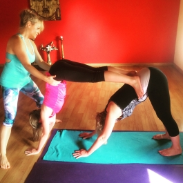 suryalila partner yoga bryony assist 01