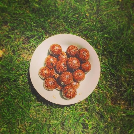 Almond Butter and cinnamon energy balls
