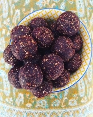 mint cocoa enery balls photo