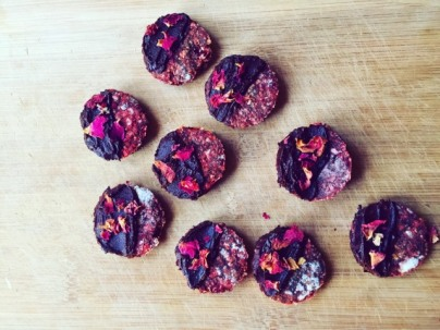 beetroot biscuits